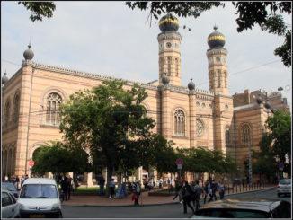 centralnaya-sinangoga-v-budapeshte-326x245