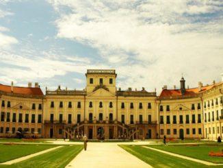 dvorec-esterxazi-326x245
