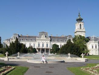 dvorec-feshtetichej-gorod-kestxej-326x245