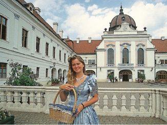 lyubimyj-dvorec-imperatricy-sisi-v-gyodyollyo-326x245