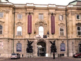 muzej-istorii-budapeshta-326x245