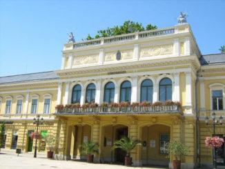 niredxaza-dvorec-nirviz-326x245